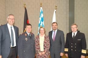 Presse- und Informationszentrum Personal: Erster Studiengang für Piloten der Bundeswehr gestartet