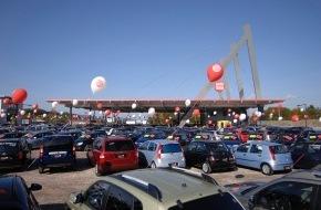 Auto Discount Uster AG: Tausende feiern Eröffnung - Einweihung des neuen Autocenters fast ein Volksfest