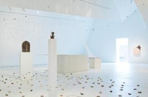Museum der Kulturen Basel: Museum der Kulturen Basel, Schweiz: schwebend - von der Leichtigkeit des Steins / 26. April 2012 bis 15. Juli 2012