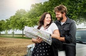 """sixx GmbH: Paula Lambert und ihr Mann Matthias auf sinnlichem Roadtrip: Neue Doku-Reihe """"So kommt Deutschland - Paula, ihr Mann und die Reise zum besten Sex"""" - ab 31. August 2016 auf sixx"""