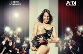 """PETA Deutschland e.V.: Jorge González nackt für PETA: """"So trägt man Pelz"""" / Catwalk-Trainer und TV-Star kämpft gegen die Pelzproduktion (FOTO)"""