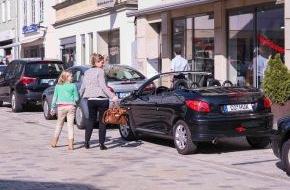 HUK-Coburg: Tipps für den Alltag: Verdeck auf oder zu? / Wer Diebstahl leichtfertig ermöglicht, riskiert Versicherungsschutz