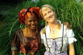 Experiment e.V.: Aus Theorie wird Praxis / Experiment e.V. vermittelt Deutschlehrer aus Afrika in Gastfamilien
