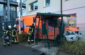 Feuerwehr Bergisch Gladbach: FW-GL: Rettungswagen der Feuerwehr Bergisch Gladbach im Einsatz entwendet
