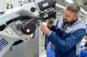 Skoda Auto Deutschland GmbH: SKODA modernisiert und erweitert in den Werksferien seine tschechischen Werke