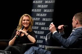 """DIE ZEIT: Zum 70-jährigen Jubiläum der ZEIT: Rund 10.000 Besucher bei der """"Langen Nacht"""""""