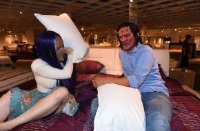 """sixx GmbH: Date mit Monstern gefällig? In der sixx-Dating-Show """"Sexy Beasts"""" suchen Singles in Masken einen Partner - ab 12. November 2014, mittwochs, 22:15 Uhr (FOTO)"""