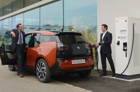 Alphabet Fuhrparkmanagement (Schweiz) AG: Alphabet und Alpiq E-Mobility «elektrisieren» gemeinsam (BILD/DOKUMENT)