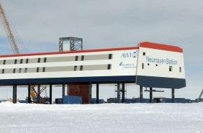 PHOENIX: PHOENIX-Programmhinweis - BITTE KORREKTUR BEI DER UHRZEIT BEACHTEN - EISZEIT-SPEZIAL live - Eröffnung der Neumayer Station III in der Antarktis, PHOENIX, Fr., 20.02.2009, bereits ab 11.00 und 20.15 Uhr