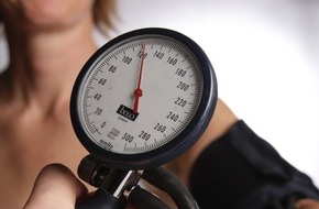 Stiftung Deutsche Schlaganfall-Hilfe: Weltgesundheitstag: Bei Diabetes auf den Blutdruck achten