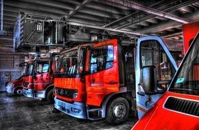 Feuerwehr Mönchengladbach: FW-MG: Unbeaufsichtigter Grill löst Brand auf einem Balkon aus