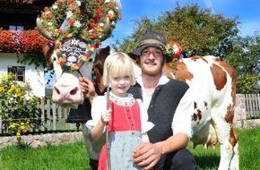 ALPBACHTAL SEENLAND Tourismus: Feierliche Almabtriebe in den Tiroler Bergen
