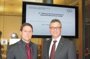 Kommission für Jugendmedienschutz (KJM): BLM-Präsident Schneider neuer KJM-Vorsitzender (mit Bild)
