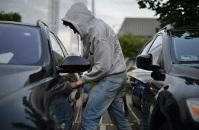 Polizeipressestelle Rhein-Erft-Kreis: POL-REK: Pkw aufgebrochen - Pulheim
