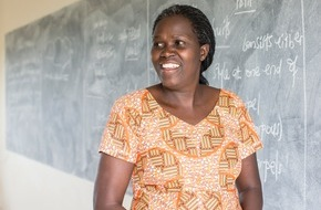 Caritas Schweiz / Caritas Suisse: L'éducation des jeunes filles valorisée / Le Prix Caritas va à une pédagogue ougandaise