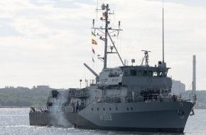 """Presse- und Informationszentrum Marine: Zurück im Heimathafen - Das Minenjagdboot """"Datteln"""" kehrt aus NATO-Einsatz zurück"""