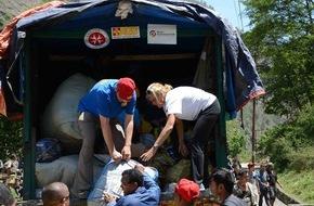 ASB-Bundesverband: ASB verteilt Hilfspakete in Sindhupalchowk/Erdbeben in Nepal