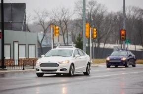Ford-Werke GmbH: Ford verdreifacht Flotte autonomer Entwicklungs-Fahrzeuge, Sensor- und Software-Tests werden erweitert