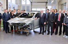 Skoda Auto Deutschland GmbH: Kompaktes Coupé als Einzelstück: SKODA Lehrlinge bauen ihr Traumauto