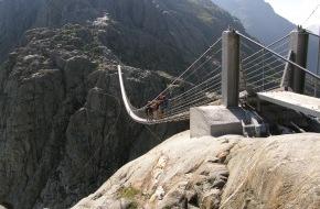 Schweizerischer Nationalfonds / Fonds national suisse: FNS: Des lacs à la place des glaciers / Là eau sur la montagne