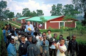 """Die Stiftung Menschen für Menschen: Stiftung Menschen für Menschen - Karlheinz Böhms Äthiopienhilfe: Seit 20 Jahren """"Hoffnung auf Morgen"""" - Kinderheim """"Abdii Borii"""""""