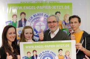 """Blauer Engel: """"Engel-Papier. Jetzt!"""": Blauer Engel und Schüler wollen mehr Recyclingpapier - Start auf der didacta"""