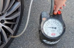 Dekra SE: Auf dem Plattfuß unterwegs / DEKRA Umfrage: Autofahrer prüfen zu selten den Reifendruck
