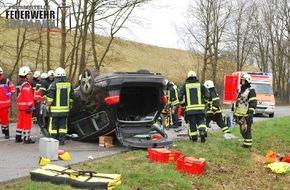 Feuerwehr Iserlohn: FW-MK: PKW überschlagen