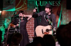 Diageo Guinness Continental Europe: Arthur Guinness Day 2013 - Party für den guten Zweck: Berliner Fans feiern exklusiv mit Mrs. Greenbird