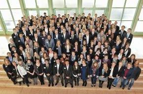 Santander Consumer Bank AG: Santander verlängert Deutschlandstipendien für Studierende der HS Niederrhein