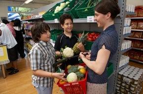 Caritas Schweiz / Caritas Suisse: Steigende Nachfrage nach vergünstigten Angeboten für armutsbetroffene Menschen / Caritas-Markt mit 4 Prozent mehr Umsatz