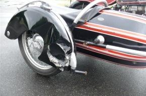 Polizei Düren: POL-DN: Regina bei Unfall beschädigt