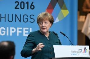 """Stifterverband für die Deutsche Wissenschaft: Merkel beim Forschungsgipfel zur Digitalisierung: """"Die Schlacht ist noch nicht geschlagen"""""""