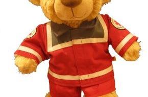 """Build-A-Bear Workshop: """"Helfer mit Herz"""" unterstützen das Deutsche Rote Kreuz: Build-A-Bear Workshop® startet am 14. Januar bundesweite Aktion"""
