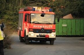 Feuerwehr Bottrop: FW-BOT: Feuer in Gewerbebetrieb, Brand in einem elektrischen Betriebsraum