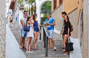 ruf Reisen GmbH: Sicherheit: Bei Jugendreisen ein Muss / Eltern sollten bei Jugendreisen auf Qualität der Betreuung achten