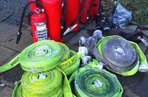 Feuerwehr Essen: FW-E: Feuer in einer Tiefgarage in Essen Rüttenscheid, vier Fahrzeuge ausgebrannt