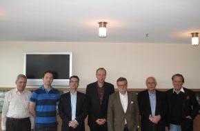 HSV Hamburger Sport-Verein e.V.: HSV-Presseservice: Gemeinsamer Appell der Antragsteller zur Strukturreform