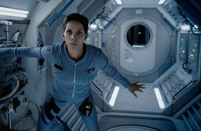 "sixx GmbH: Bekommt Halle Berry ein Alien-Baby? sixx-Sommerevent ""Extant""  ab 5. Juni (FOTO)"