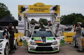 Skoda Auto Deutschland GmbH: In der Hitze ganz cool: SKODA Pilot Kreim feiert zweiten Sieg im Fabia R5 in Serie