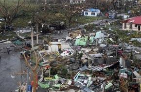 Heilsarmee / Armée du Salut: Wirbelsturm - Heilsarmee hilft Wirbelsturmopfern auf den Philippinen (Bild)
