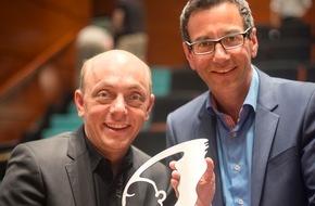 """ABDA Bundesvgg. Dt. Apothekerverbände: """"Überraschend, kompetent, knackig"""": ABDA-Imagekampagne mit Health Media Award ausgezeichnet"""