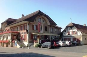 gastro comments: Kleine Dorfgeschichten / Der traditionelle Gasthof im -Albert Anker Dorf Ins- steht zum Verkauf