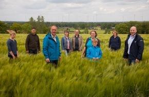 Deutsche Kreditbank AG: 25 Jahre Deutsche Einheit / Energiehelden: Erst engagierte Bürger machten die Energiewende möglich