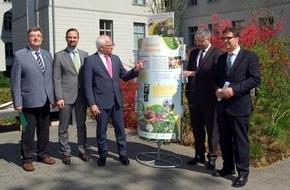 Deutscher Imkerbund e. V.: Deutscher Imkerbund beteiligt sich an neuer bundesweiter Bienen-Informationskampagne (FOTO)