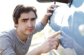 CosmosDirekt: Parkrempler mit dem Auto: Wie verhalte ich mich richtig?