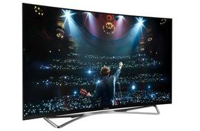 Panasonic Deutschland: Panasonic OLED TV: Eine neue Ära der Bildqualität / Mit dem TX-65CZW954 präsentiert Panasonic auf der IFA 2015 den besten Fernseher, den das Unternehmen je entwickelt hat