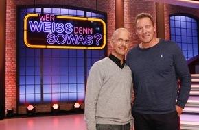 """ARD Das Erste: Das Erste: Witz-Feuerwerk mit Christoph Maria Herbst  """"Wer weiß denn sowas?"""" - Kai Pflaume moderiert das schlaue Wissensspiel mit Bernhard Hoëcker und Elton"""