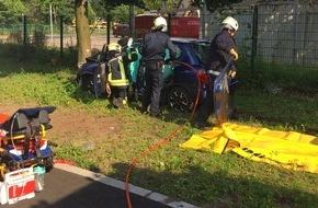 Feuerwehr Gelsenkirchen: FW-GE: Patientenschonende Rettung nach Verkehrsunfall