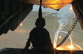 """SWR - Das Erste: """"Wenn hier meine Männer oder Frauen ihr Leben lassen müssen ..."""" / Reportage """"So nah am Tod"""" über den Einsatz in Afghanistan im zehnten Jahr / am 21. November 2011, 22.45 Uhr im Ersten (mit Bild)"""
